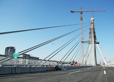 京新高速公路上地斜拉桥